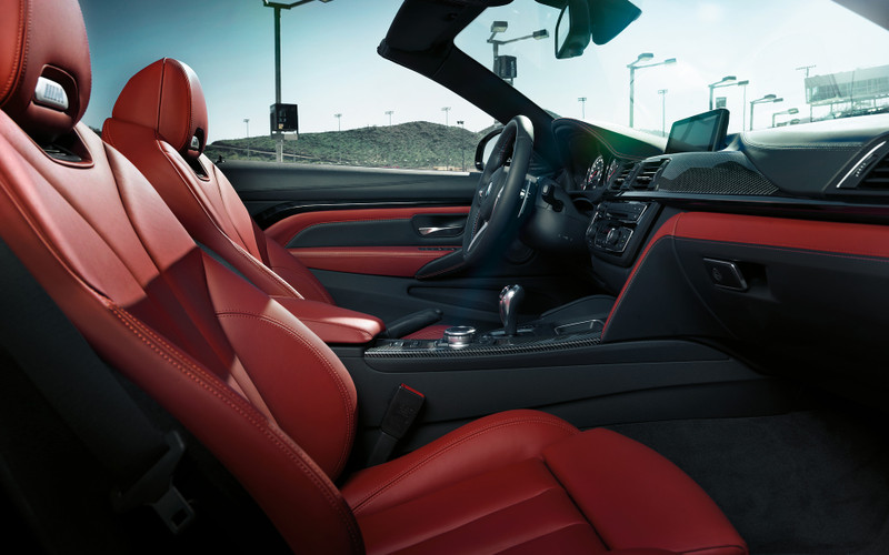 Bmw_m4_cabrio_wallpaper_1920x1200_3